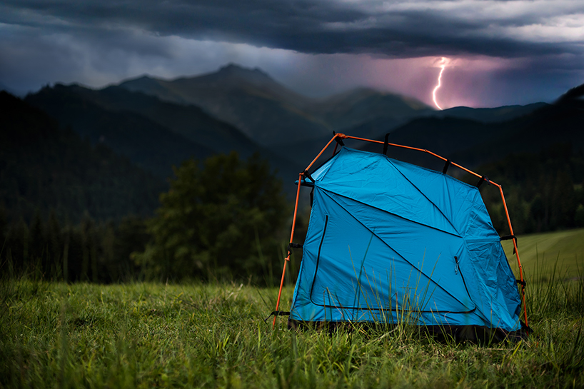 Lightning-proof bolt tent